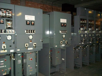 Typical HG12 double busbar switchboard